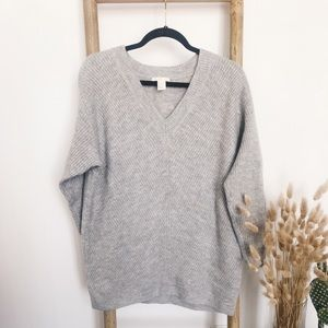 H&M Gray V-neck Tunic Sweater